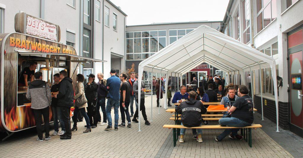 Musik und Wurst: Session Hausmesse in der Filiale in Frankfurt am Main