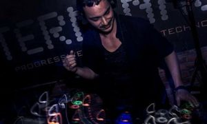 gigmit artist Enrico Falcone On the Sound of Summer