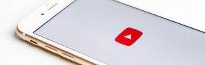 Mockup Handy mit YouTube icon